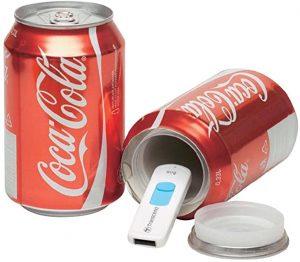 tirelire cachée dans une petite canette de coca cola